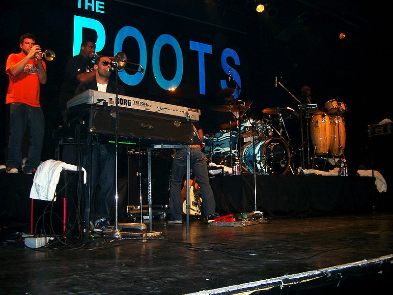 800px-The_Roots_2007