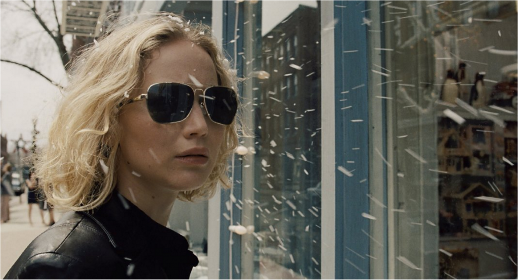 Jennifer Lawrence Shines in Dull <i>Joy</i>