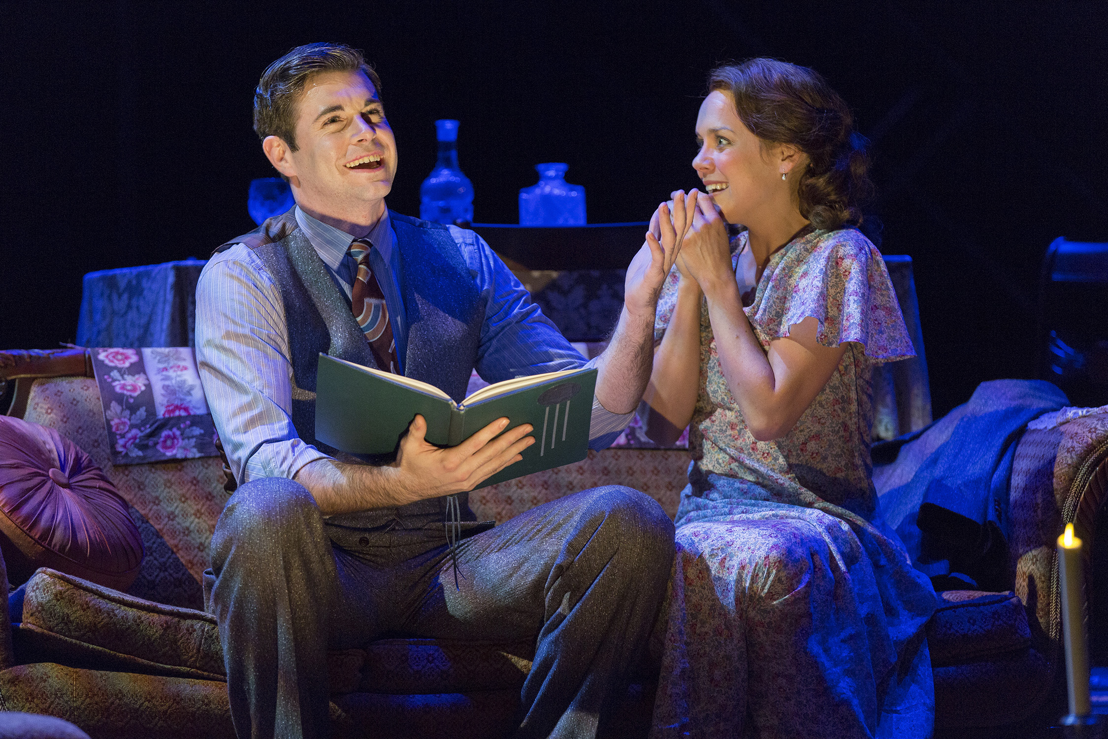 Blue Roses Ford Theatre S The Glass Menagerie Is Rare Delicate The Georgetown Voice