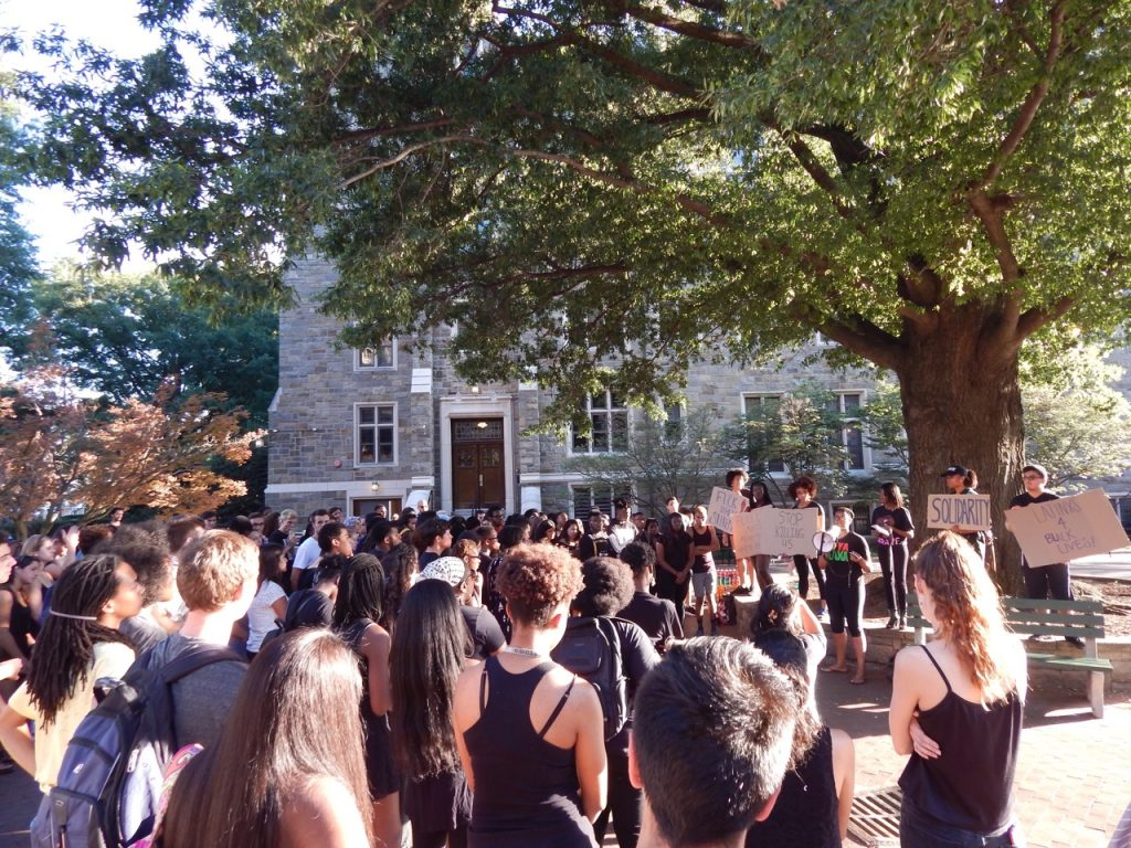 Vigil draws crowd for Black Lives Matter movement
