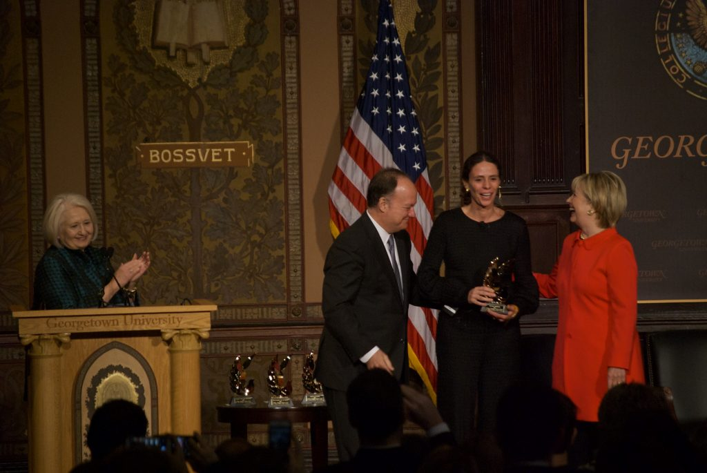 Clinton presents peace awards