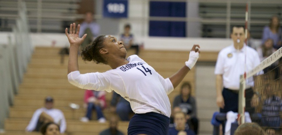 Volleyball Ends Losing Streak with Win Over DePaul