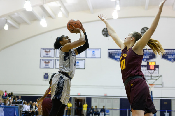 Women's basketball ends non-conference play with win at VCU