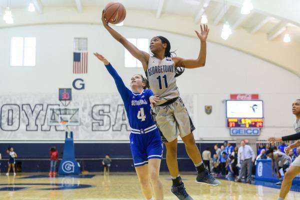 Smooth Sailing: Fourth quarter pushes women's basketball past Seton Hall