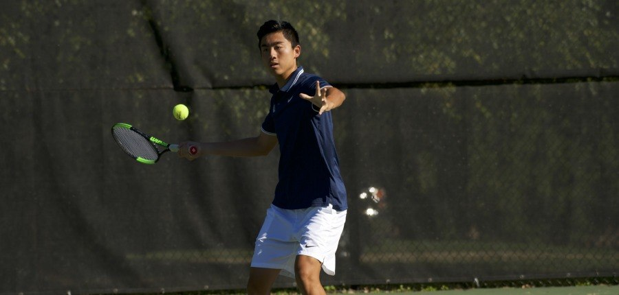 Strong weekend for men's tennis