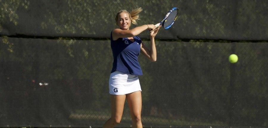 Women's tennis finds a groove