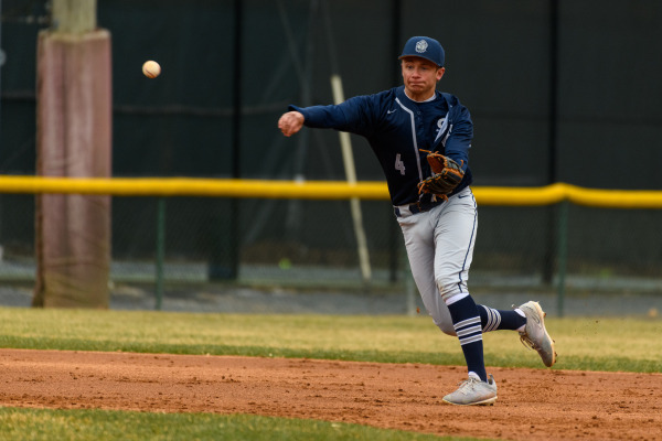 Baseball goes 2-2 in the buildup to Easter weekend