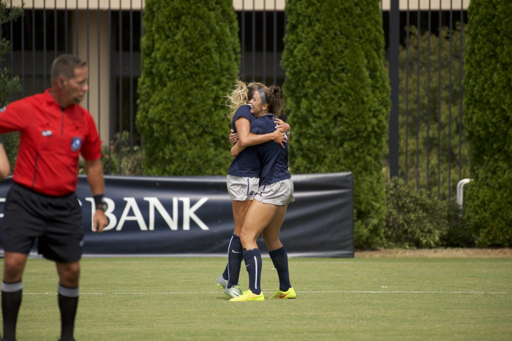 Women's soccer faces first ranked opponent of the season