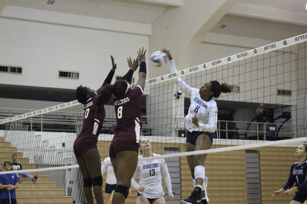 Volleyball goes 3-0 in the final weekend before conference play