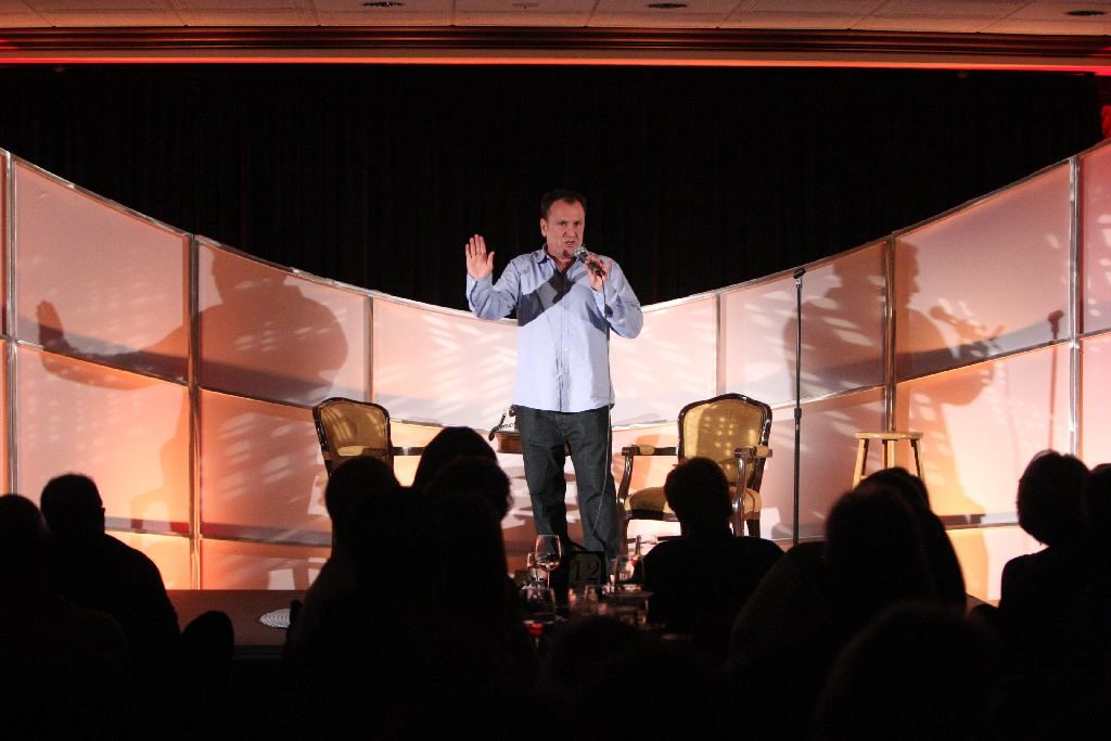 Colin Quinn Talks About Coming to D.C., Politics, and <i>One in Every Crowd</i>