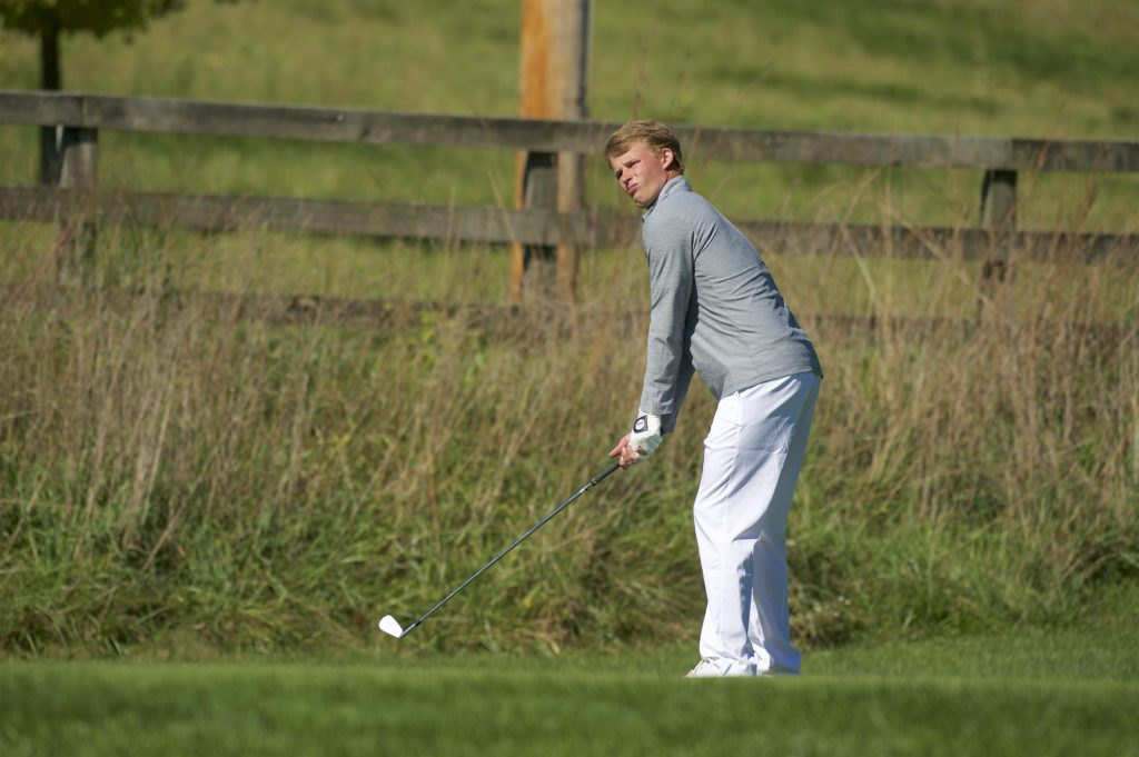 Men's and women's golf compete in tournaments on the road