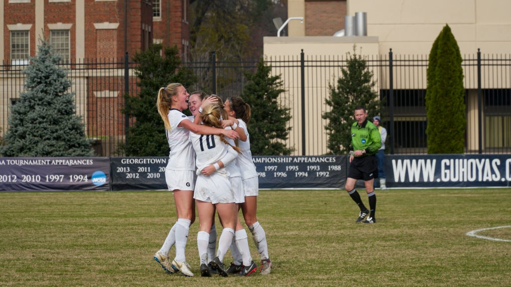 Women's Soccer Advances to College Cup with Confident Victory over Baylor