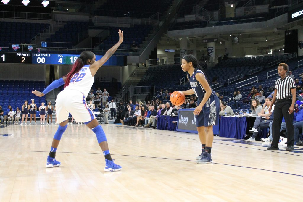 Women's basketball improves to 3-0 with a stifling defensive effort
