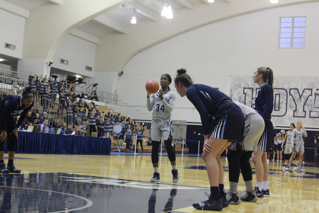 Women's Basketball Stumbles Again at St. John's