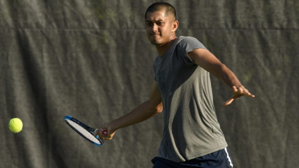 Men's Tennis Picks Up Two Close Wins Over George Washington and Xavier