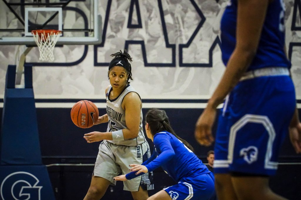 Women's Basketball Hangs on to Defeat St. John's on Senior Day