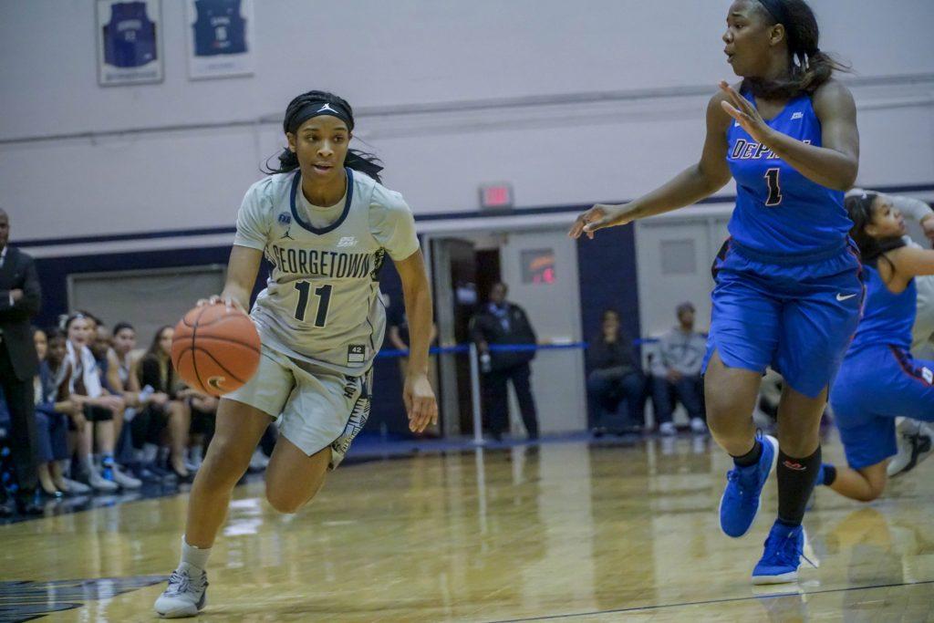 Women's Basketball Edges Xavier in Regular Season Finale