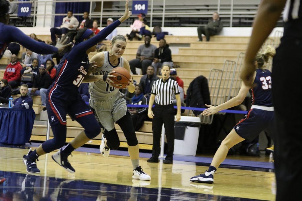 Offense Comes Alive as Women's Basketball Gets In the Win Column
