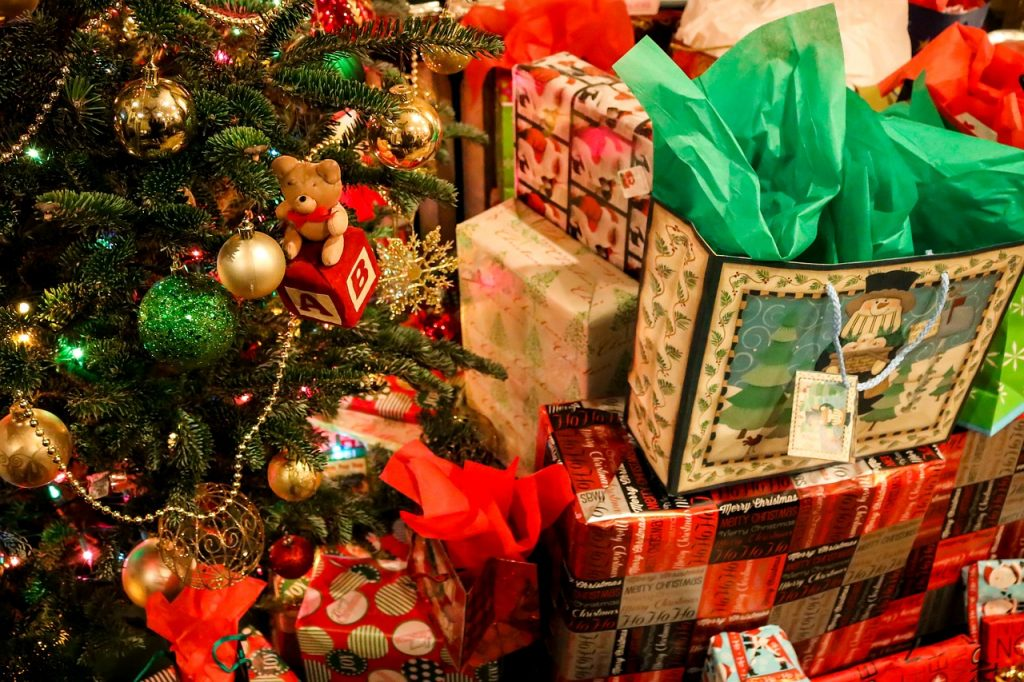 Quiz: What Awful Present That I Will Return The Day After Christmas Are You?