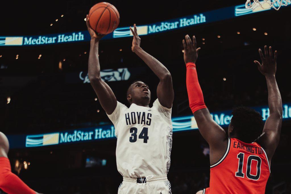Men's Basketball Struggles Defensively, Falls to Villanova