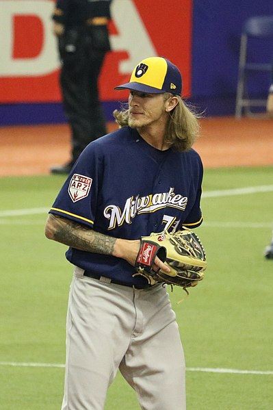 399px-Josh_Hader_on_March_25_2019_cropped